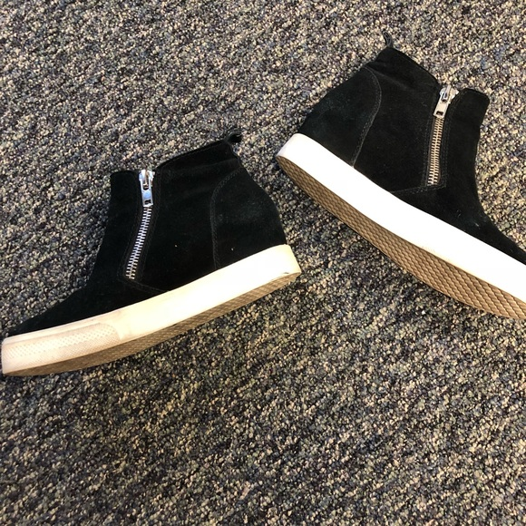 c68612acb5a Steve Madden Wedgie High Top Platform Sneaker. M 5b571fca42aa767225cae97b